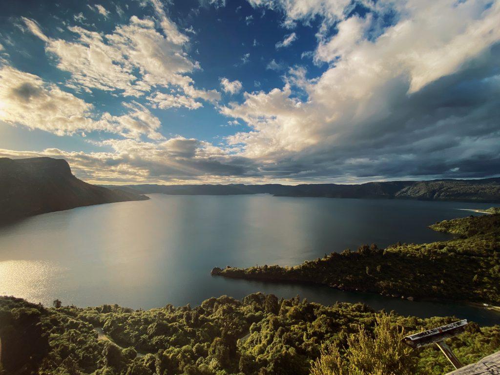 Jezioro Waikaremoana Lake Waikaremoana
